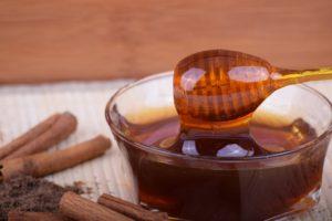 A gyönyörű aranysárga méz az egyik legegészségesebb cukorforrás