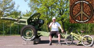 Második Világháborús orosz ágyún iszom a DXN Ganoderma gyógygombás kávét BMX Flatland trükkök gyakorlása után